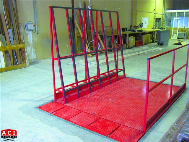 Table élévatrice de quai pour panneaux