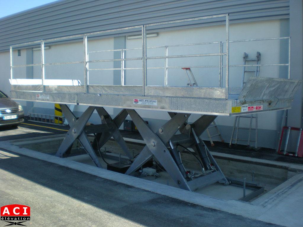 Table élévatrice de quai 8 tonnes 6m x 2,4m