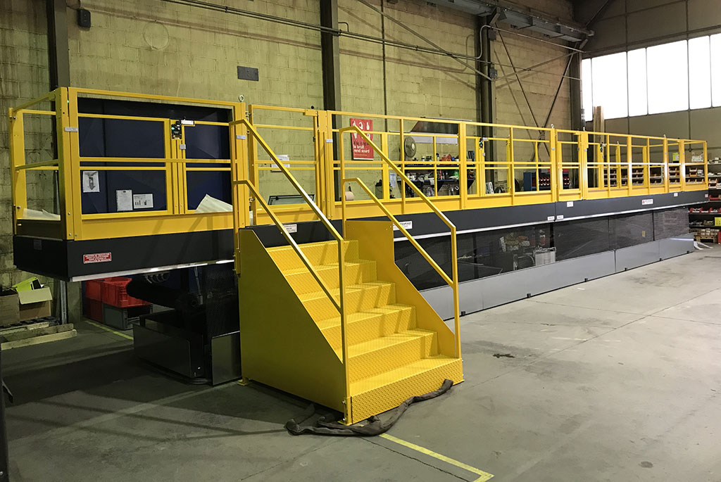 Plateforme élévatrice de personnel fixe plateau de 14 mètres de longueur